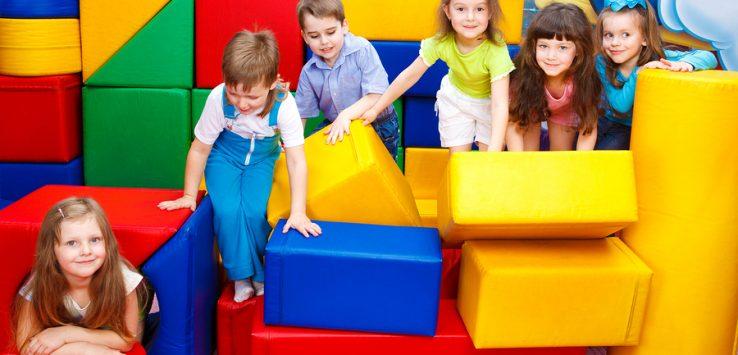 Ein vielseitiges Spielzeug: Softbausteine aus Schaumstoff für Kinder ...